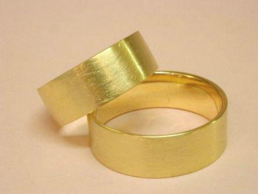 Beispiel: Trauringe - Gold, Foto: Eveline Köhler Schmuckdesign.