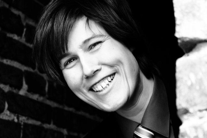 Beispiel: Die Sängerin, Foto: Simona Kiel Hochzeitssängerin.