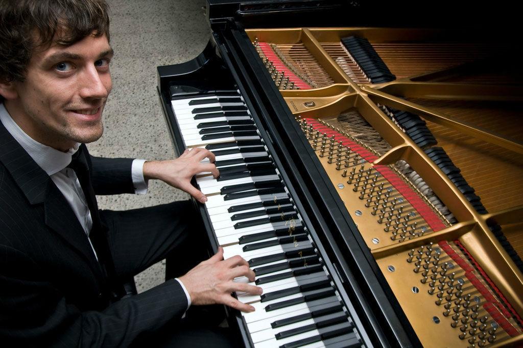 Beispiel: Pianist Joe Löhrmann, Foto: mytravelingpiano.