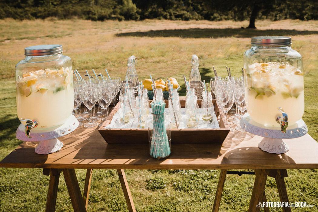 Mesa de limonada campestre