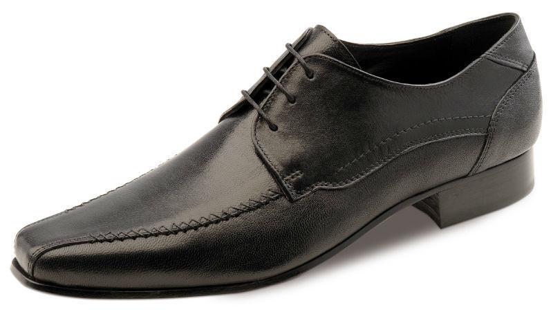 Beispiel: Schuhe, Foto: Bräutigammoden CG Fashion.
