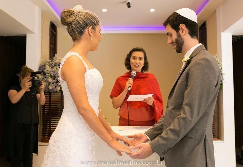 Casamento Stefani e Gabriel. Celebração: Babi Nascimento | Foto: Marcel Martins.