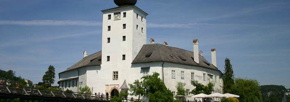 Beispiel: Schloss Außenansicht, Foto: Seeschloss Ort.