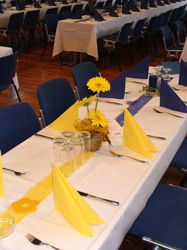 Beispiel: Floraler Tischschmuck, Foto: die kornblume.