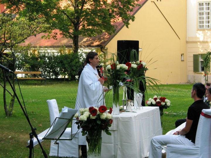 Trauung unter freiem Himmel, Foto: Zeitlose Zeremonie.