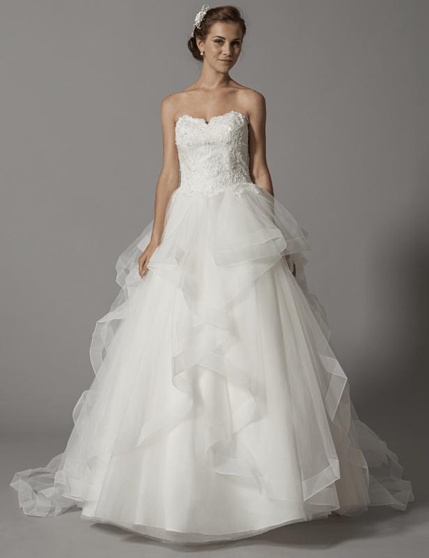 Robe de mariée princesse en organza; modèle unique en Europe, en exclusivité sur www.mariageenrose.fr.