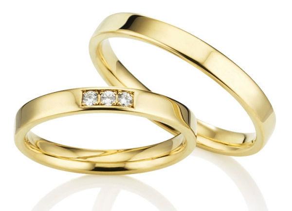 Beispiel: Traunringe in Gelbgold, Foto: Juwelier Reiher.