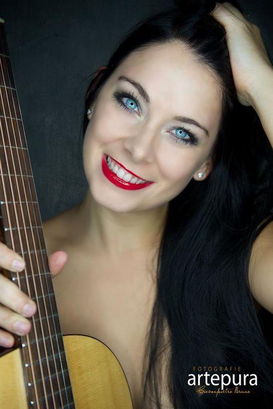 Helen Pfaff Sängerin Zürich Basel Bern Luzern Partyband Hochzeitssängerin