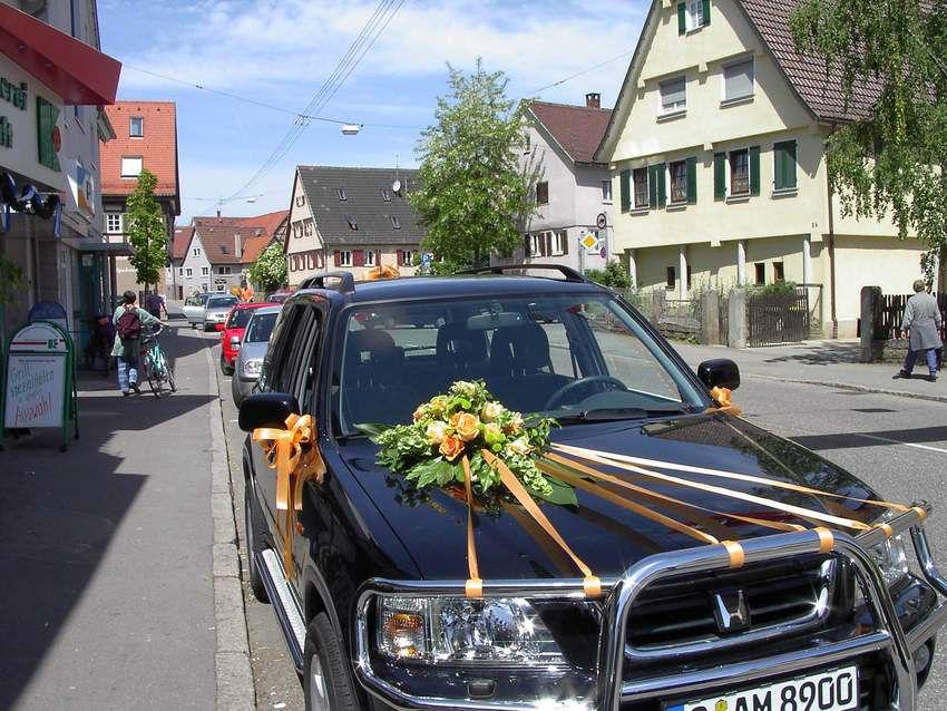 Beispiel: Autoschmuck, Foto: Tanja´s Blumenstube.