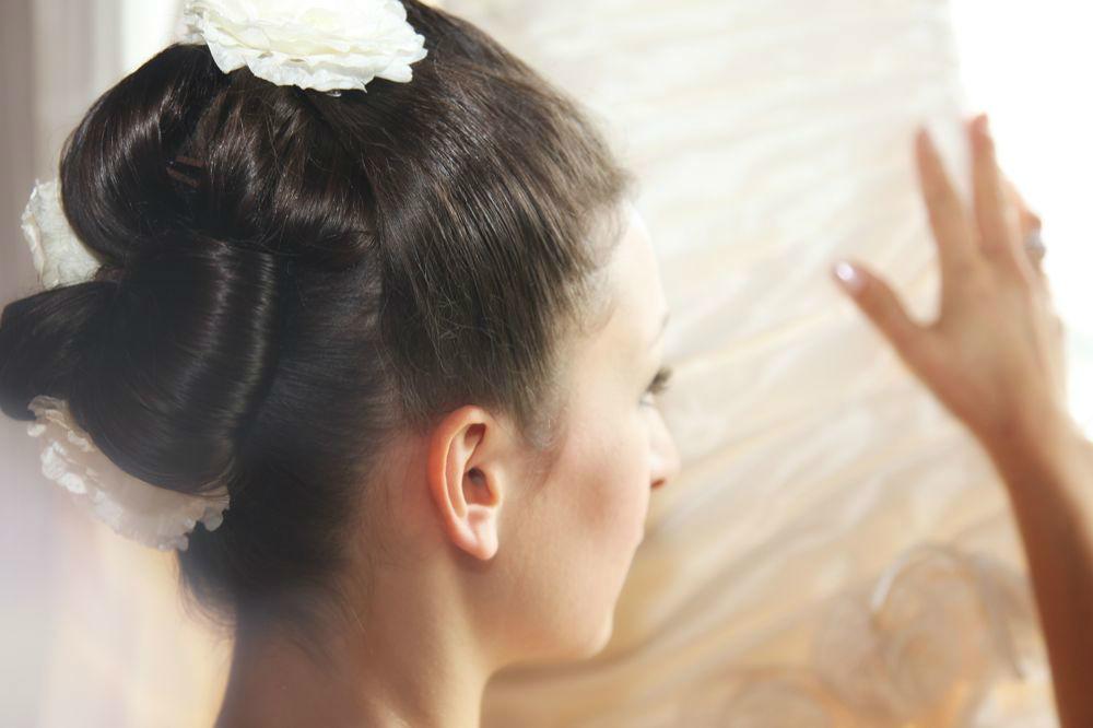 Beispiel: Wunderschöne Frisuren für Ihren Hochzeitstag, Foto: Cut & Shoot.