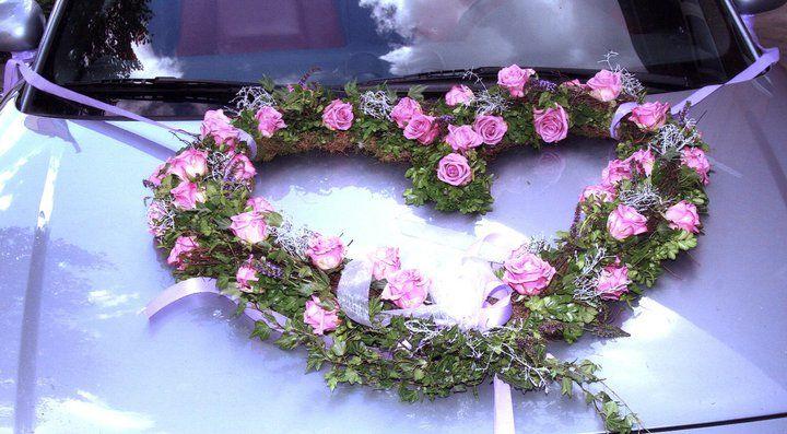 Beispiel: Autodekoration, Foto: Blumen Galerie Oyten.