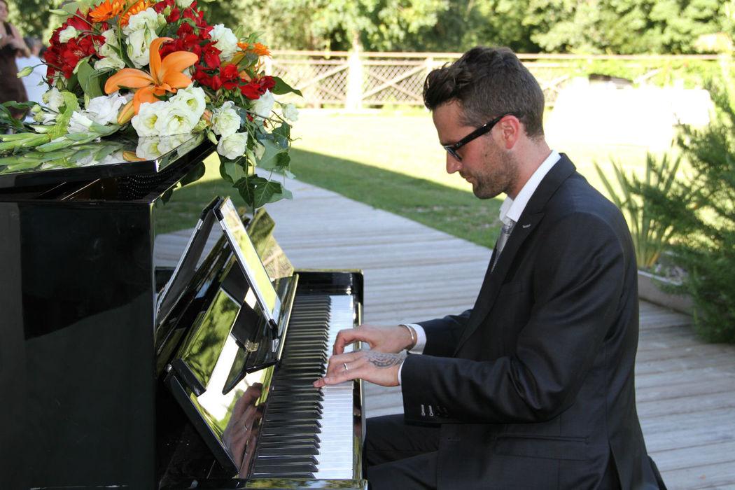 Pianiste lors d'un mariage