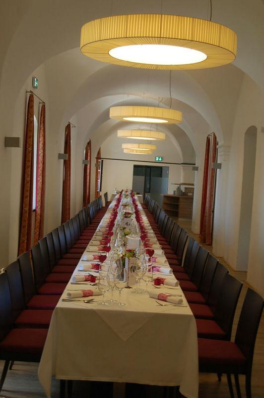 Beispiel: Hochzeitsbankett, Foto: Burg Kreuzen.