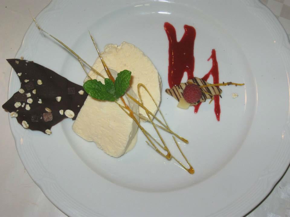 Beispiel: Serviervorschlag - Dessert, Foto: Landgasthof Stahmer.