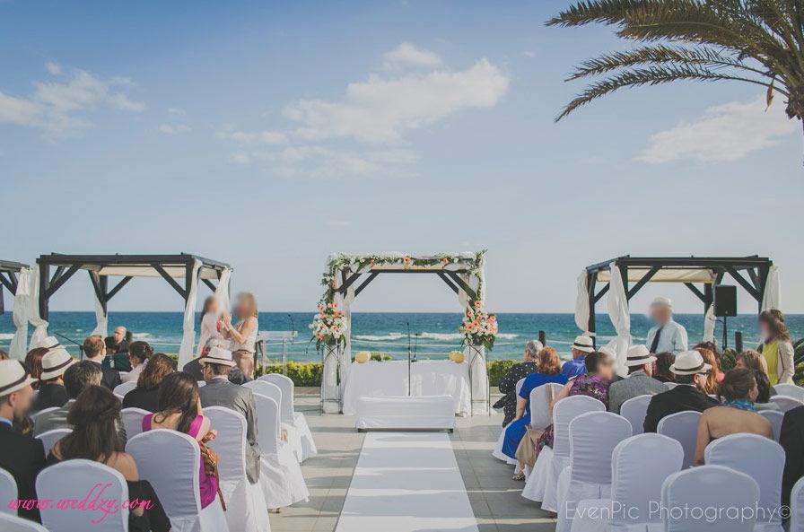 Cérémonie de mariage en Espagne face à la mer