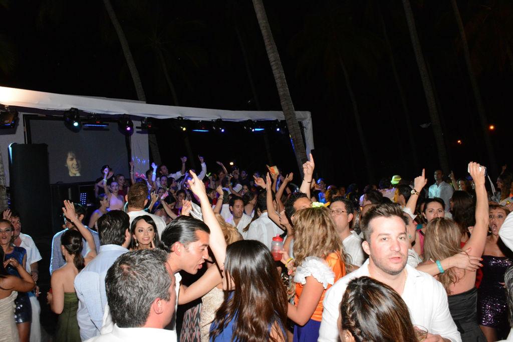 Que más da bailar o cantar con la banda... lo importante es divertirse!