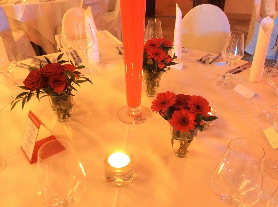 Beispiel: Tischdekoration, Foto: Blumenhaus am Hochweg.