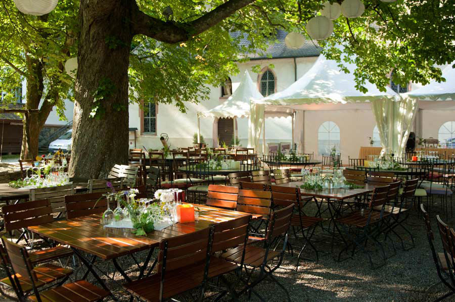 Beispiel: Biergarten, Foto: Waldrestaurant St. Ottilien.
