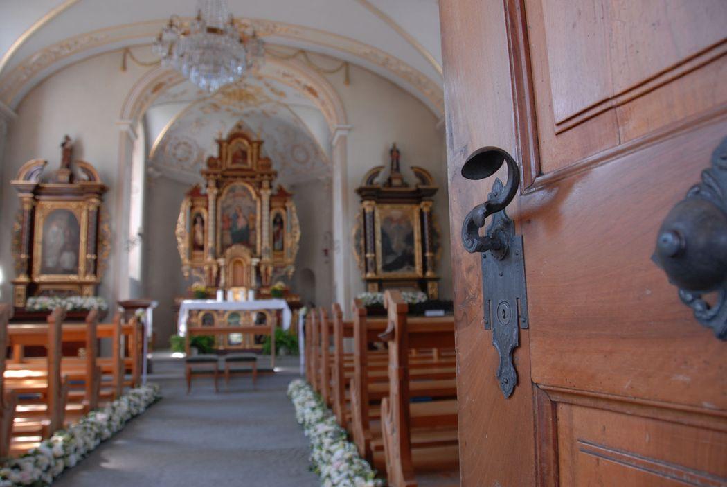 #Nature Lodge #Hochzeitsdekoration #Hochzeit #Dekoration Zeremonie #Kirchendekoration