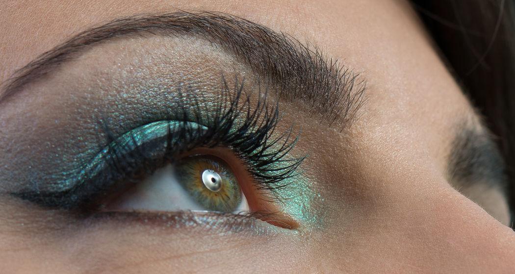 Miracle Beauty bietet nicht nur Makeup sondern auch One by One Eyelashextensions an.