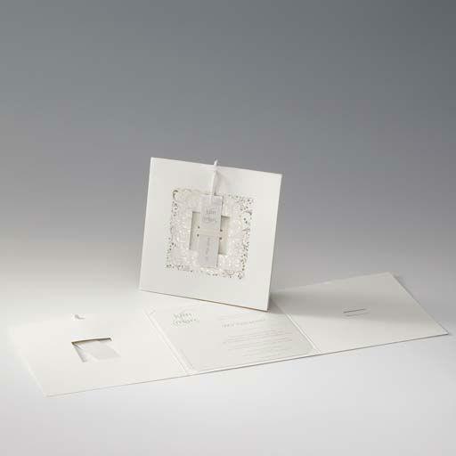 Beispiel: Schlichte Hochzeitseinladung in weiß, Foto: Druckerei Rokos.