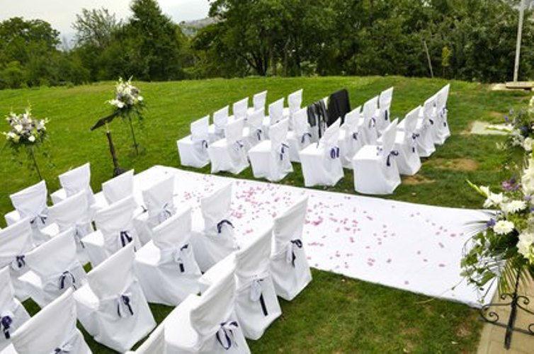 Beispiel: Durchführung freier Trauungen, Foto: your-weddingplaner.ch.