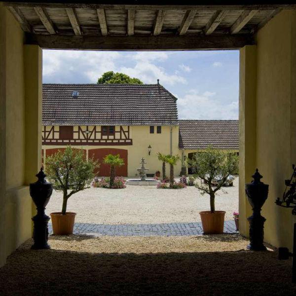 Beispiel: Eingang zum Innenhof, Foto: Hofgut Bergerhof.
