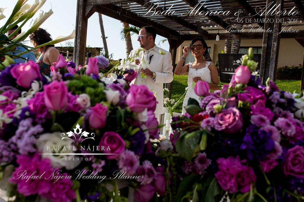 Boda Destino - Hotel Canto del Sol   Al contratar #RafaelNajeraEventos estás poniendo toda una fecha en nuestras manos y experiencia, ese día será la mejor oportunidad para que disfrutes cada segundo sin preocupaciones.
