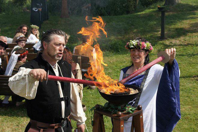 Beispiel: Heilige Flamme der Ehe, Foto: Eheleite.com.