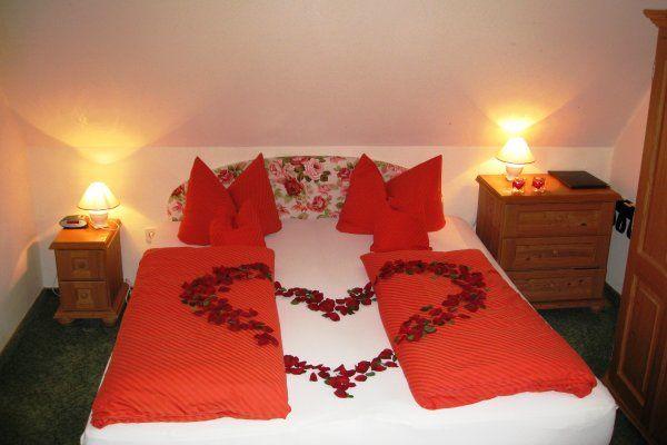 Beispiel: Hotelzimmer für die Hochzeitsnacht, Foto: Malerwinkel.