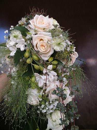 Beispiel: Kunst mit Blumen, Foto: Hochl & Co.