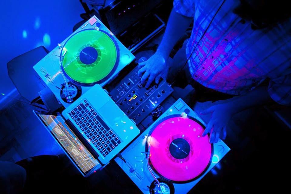 DJ Ricardo Kriok