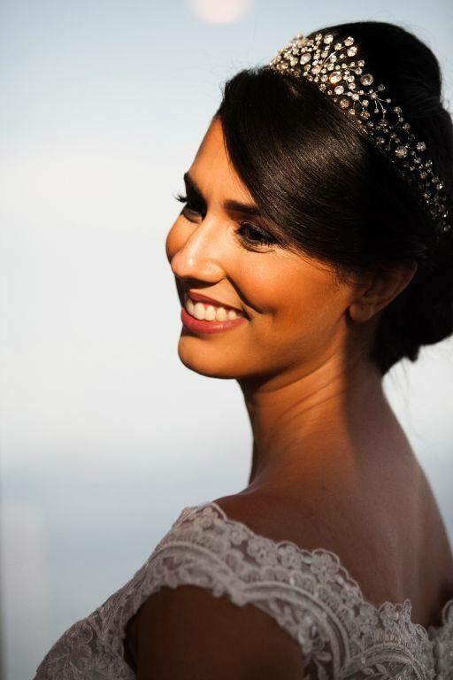 Beleza:  Alline Roza Maquiadora especializada em noivas.