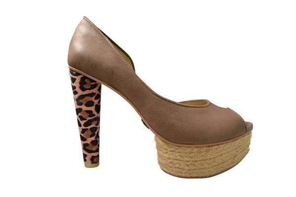 Lola Zapatos by Melissa del Solar