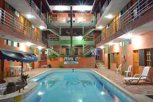 Hotel Campestre Cacique Yarigui