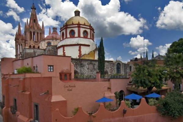 Hotel Casa Rosada