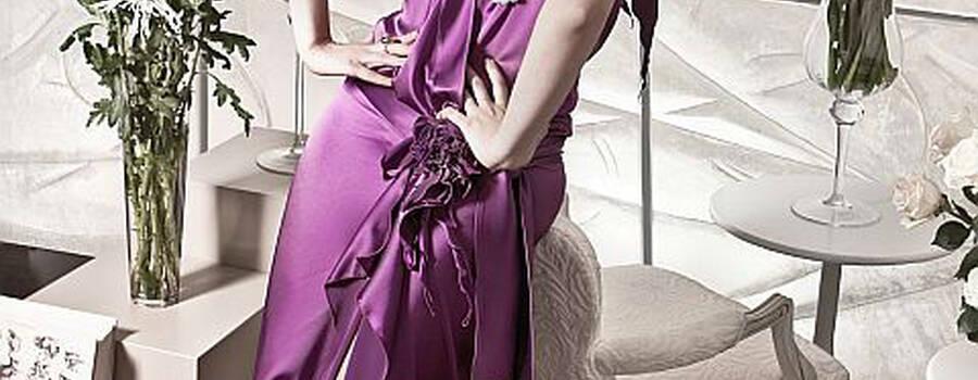 Beispiel: Abendmode schlicht und elegant, Foto: Ella Deck Couture Abendmode.