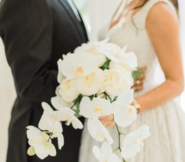 Couple et Bouquet orchidées
