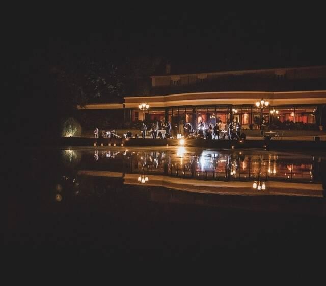 Lancé de lanternes flottantes
