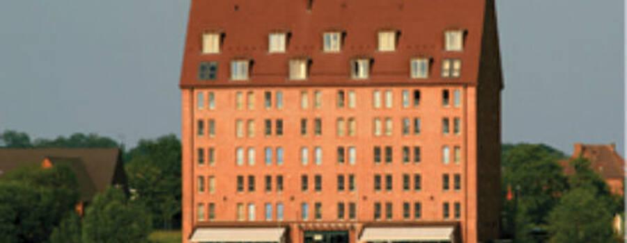 Beispiel: Außenansicht, Foto: Hotel Speicher am Ziegelsee.