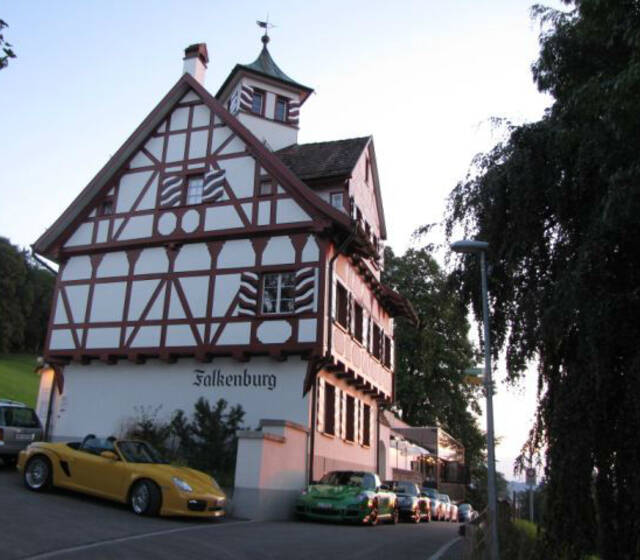Beispiel: Außenansicht, Foto: Die Falkenburg.