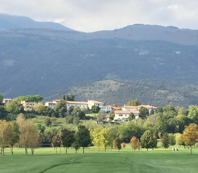 Hotel e Ristorante visti dal campo da Golf