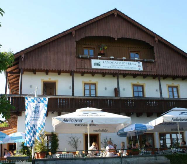Beispiel: Ihre Hochzeitslocation, Foto: Landgasthof Berg.