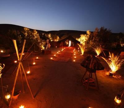 Tiempo para disfrutar Luna de Miel en el Desierto de Erg Chebbi con todos los lujos que puedas imagina.