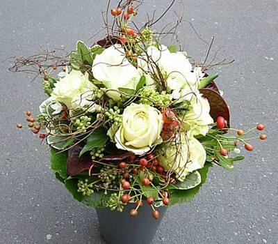 Beispiel: Brautstrauss, Foto: Blumenhaus Nagengast.