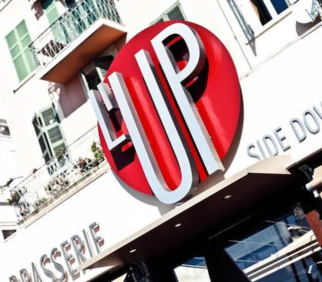 L'Up Side Down Café