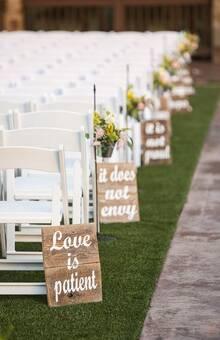 LETRERO PARA CEREMONIA RELIGIOSA O CIVIL (camino de novios).  **Diseños totalmente personalizados para tu boda!