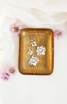 Orecchini pendenti con cristalli e perle | Elibre Handmade