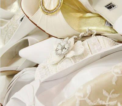 Beispiel: Wunderschöne Schuhe für Bräute, Foto: Schuh Hiegl.