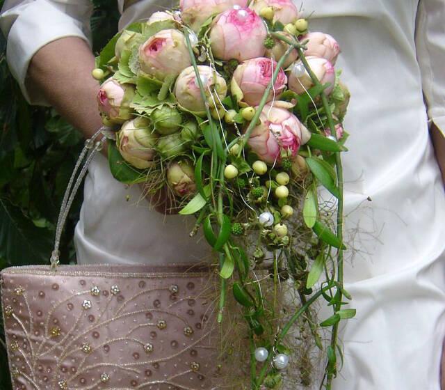 Beispiel: Brautstrauß, Foto: FLORA NOVA im Hof.
